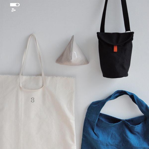 thRee tote bag fair