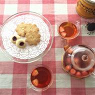 CAMPBELL'S Perfect TEA とmistletoe の焼き菓子