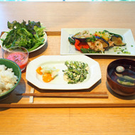 DO TABELKA 「葉月定食」のご案内