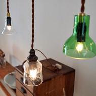 「秋を灯す ランプと古家具展」開催中