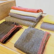 真木テキスタイルスタジオ「あたたかな冬の布」開催中です
